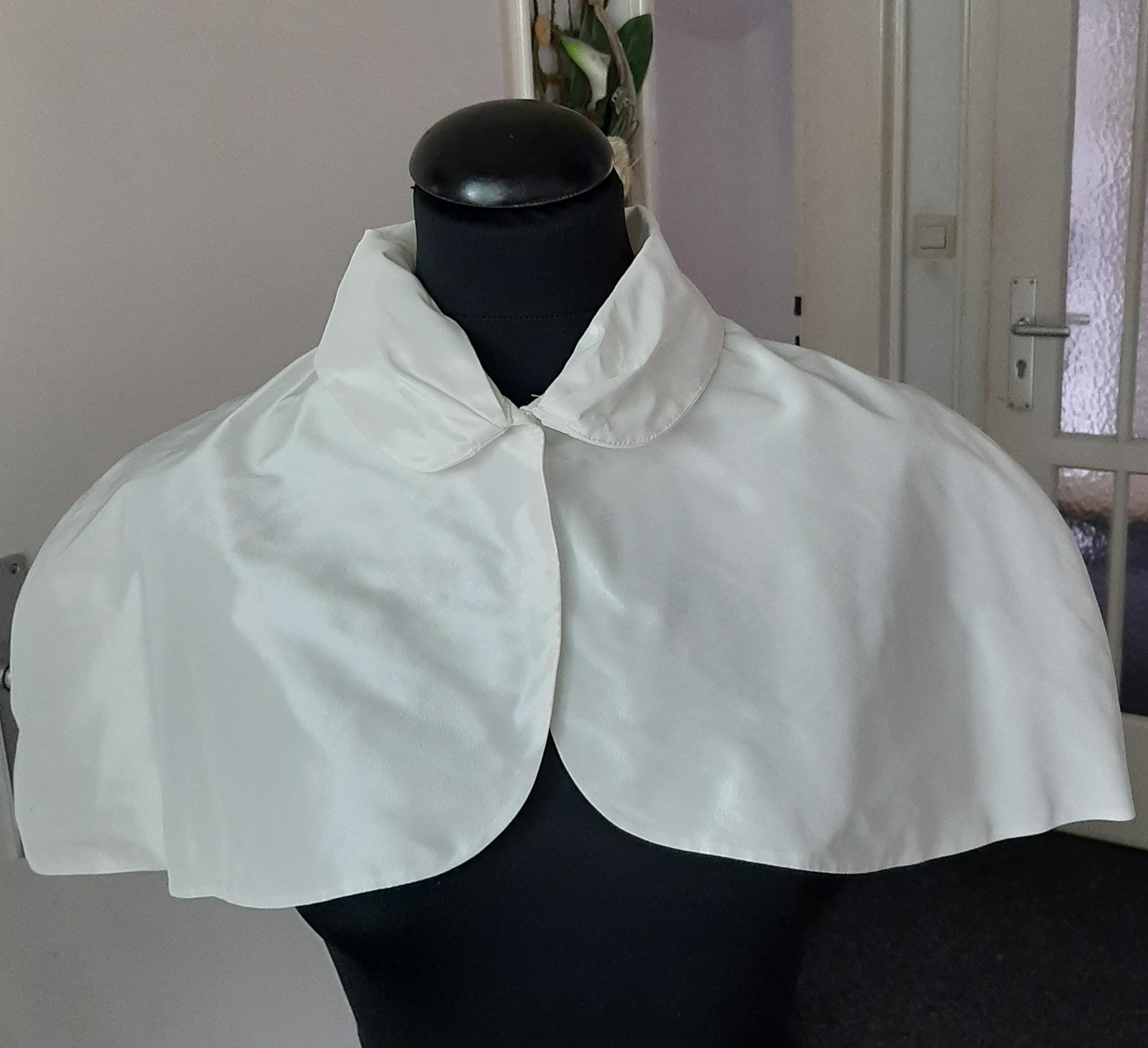 Cape  über Brautkleid  aus Taft  Farbe Ivory Größe 38 / 40