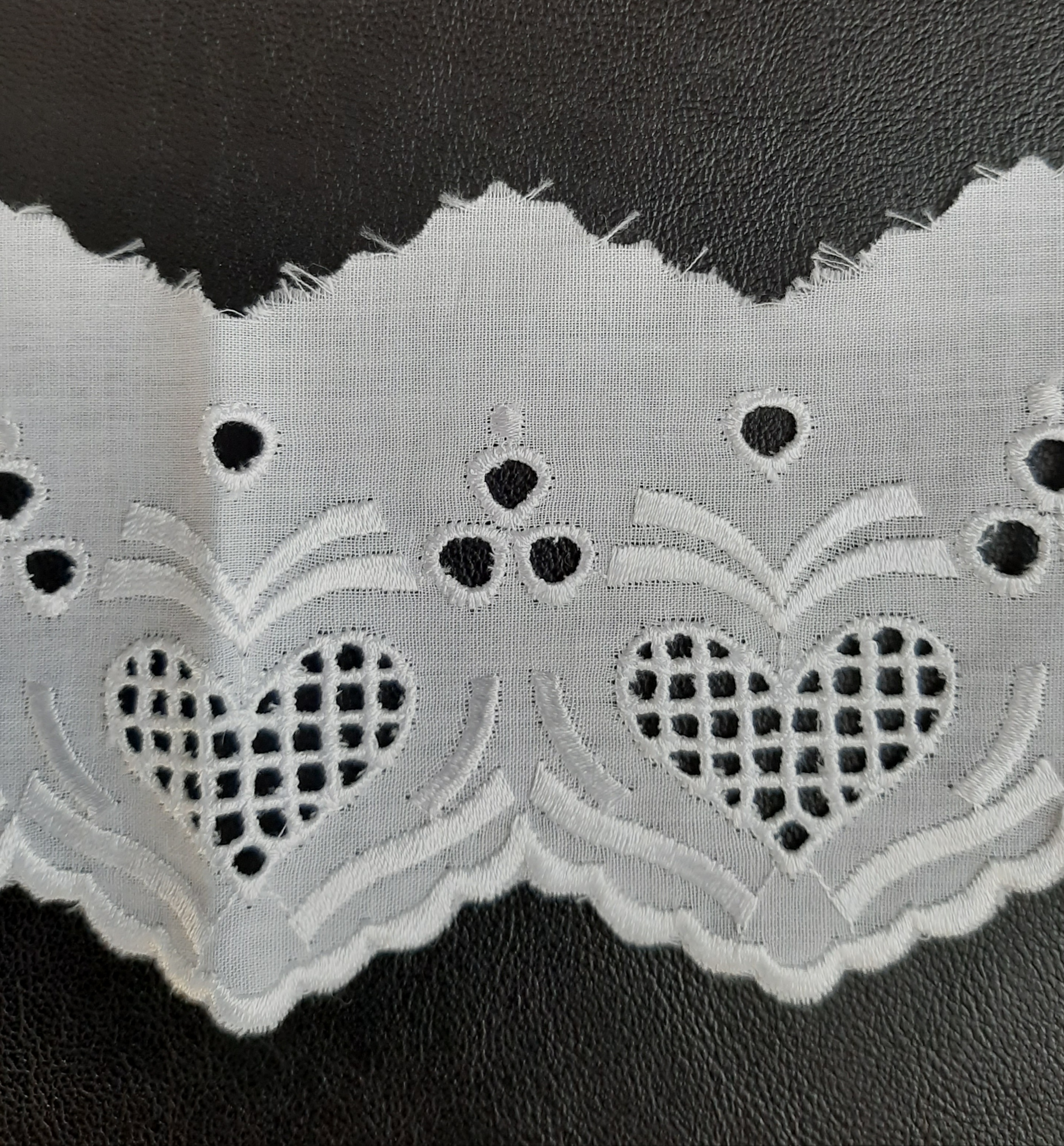 Baumwollspitze  für  Trachten   weiß