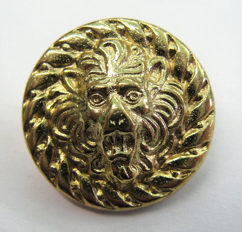 Knopf, goldener L
